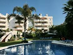 A beautiful South facing apartment with sea views situated complex Gran Ducado