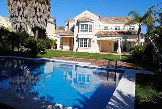 Brand new villa 100 meters from the best  beaches in Marbella with five double bedrooms and four bathrooms