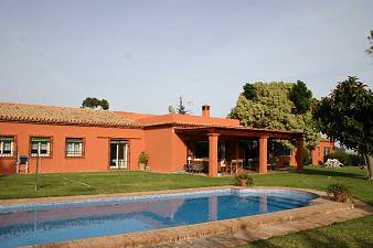 Spacious family villa built on one floor just in 3 min. to San Pedro and 10 min. to Marbella