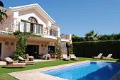 Beautiful villa situated in an established residential area walking distance to the beach and services