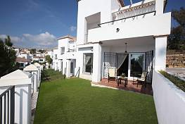 Beautifully presented 2 bedroom apartments in Nueva Andalucía Golf valley