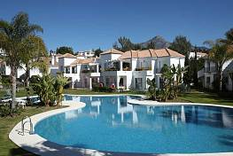 2 bedroom 2 bathroom apartments are located in the prestigious Nueva Andalucía Golf valley
