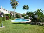 Garden apartment with easy access from the parking, swimming pool and garden
